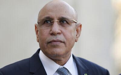 Le président de la Mauritanie, Mohamed Ould Cheikh El Ghazouani, arrive au sommet du G5 sur le Sahel à Pau, dans le sud-ouest de la France, le 13 janvier 2020. (Crédit : Regis Duvignau/Pool Photo via AP)
