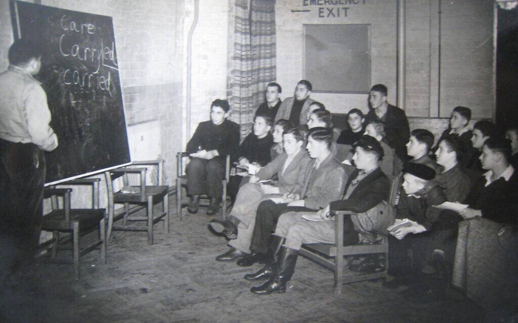 Enfants à l'école du Calgarth Estate vers 1946. (Lake District Holocaust Project)