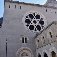 La principale synagogue de la ville italienne de Trieste. (CC BY-SA Zacqary Adam Xeper/Wikimedia Commons)