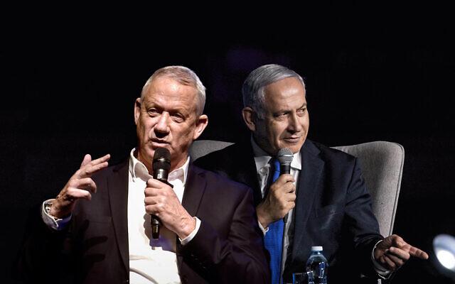Montage : Le chef du parti Kakhol lavan, Benny Gantz, (à gauche), et le Premier ministre Benjamin Netanyahu, (à droite). (Photos : Flash90)
