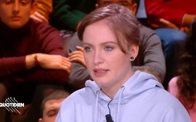 Mila, la jeune lycéenne française déscolarisée après ses propos sur l'islam. (Crédit : capture d'écran)