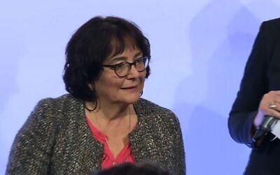 Ruth Halimi, mère d'Ilan, torturé et assassiné en France en février 2006, à la première remise du Prix Ilan Halimi à Matignon, en février 2019. (Crédit : AFPTV)