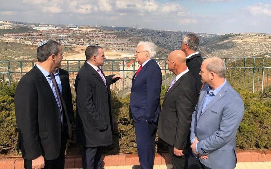 Six maires d'implantations rencontrent l'envoyé américain autour du plan de paix