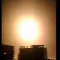Explosions dans le ciel de Damas, le 6 février 2020. (Capture d'écran : Twitter)