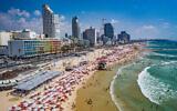 Vue aérienne de la plage de Tel Aviv. (Crédit : Municipalité Tel Aviv Yafo, Barak Brinker)