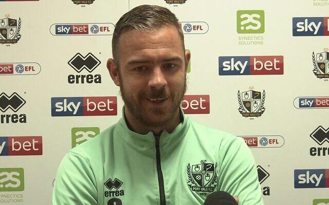 Le footballeur professionnel anglais Tom Pope du club de Port Vale. (Crédit : capture d'écran YouTube)