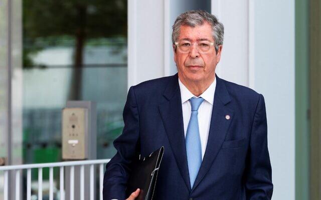Le maire de Levallois-Perret Patrick arrive à son procès, le 22 mai 2019. (Crédit : AFP)