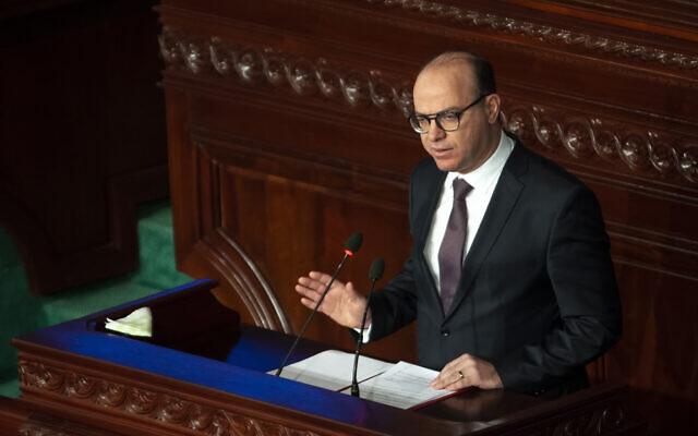 Le Premier ministre tunisien Elyes Fakhfakh prononce son discours devant le Parlement, le mercredi 26 février 2020. (Crédit : AP / Hassene Dridi)