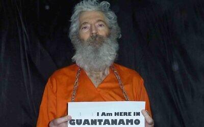 Photo non datée de l'agent du FBI Robert Levinson (Crédit : AP/Famille Levinson)