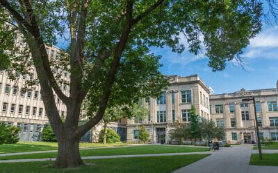 Une vue d'ensemble du campus de l'Université d'Iowa à Iowa City.(Wikimedia Commons via JTA)