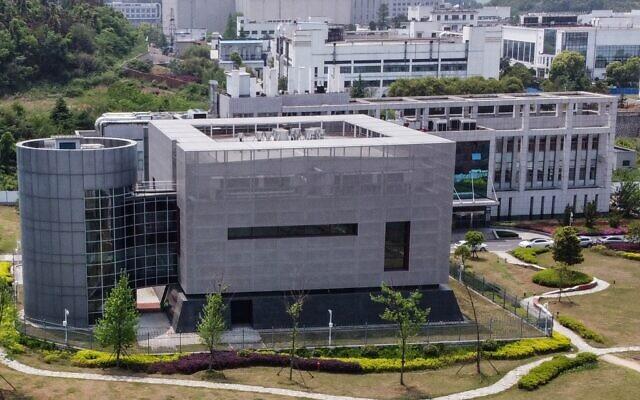 Une vue aérienne montre le laboratoire P4 de l'Institut de virologie du Wuhan dans la province d'Hubei du centre de la chine, le 17 avril 2020. (Photo par Hector RETAMAL / AFP)