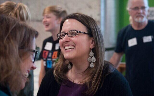 Katie Rosenberg en campagne à Wausau, dans le Wisconsin, le 27 juin 2019. (Crédit : B.C. Kowalski, Wausau City Pages)