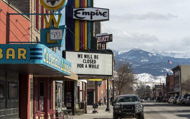 Livingston, Montana, le 30 mars 2020, sous confinement, où des tracts antisémites ont été découverts. (Crédit : William Campbell-Corbis via Getty Images via JTA)