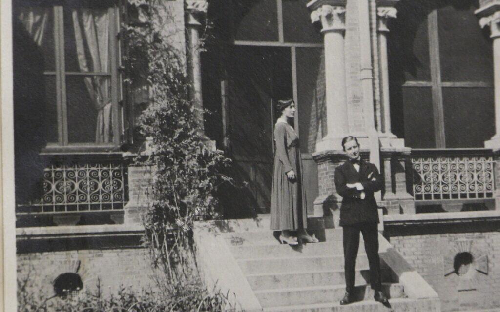 Une photo de la collection de Julio Palencia et Zoe Dragoumis, qui ont été en poste dans huit endroits différents à travers le monde dont le Costa Rica, la Chine, le Maroc, l'Afrique du Sud, la Turquie et la Bulgarie entre 1914 et 1943. (Avec l'aimable autorisation de la Bibliothèque Gennadius)