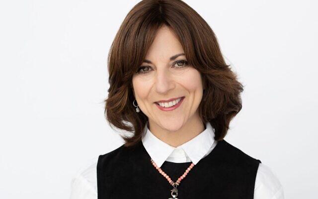 Lori Palatnik, fondatrice et directrice de Momentum, a été sélectionnée pour représenter la Diaspora à la cérémonie d'allumage de la torche pour le Jour de l'Indépendance en 2020. (Crédit: Momentum)