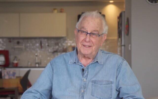 Naftali Pirset, survivant de la Shoah, évoque le coronavirus dans un reportage, le 10 avril 2020 (Capture d'écran/Douzième chaîne)