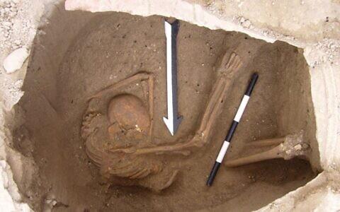 Illustration : Sépulture d'un individu analysée dans l'étude cananéenne, datant d'environ 1600 avant l'ère commune. (Dr. Claude Doumet-Serhal/Wellcome Trust Sanger Institute)