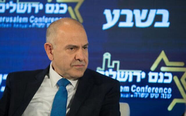 """Shmuel Abuav du ministère de l'Education s'exprime lors de la 16è conférence annuelle de Jérusalem du groupe """"Besheva"""", le 11 février 2019 (Crédit : Noam Revkin Fenton/Flash90)"""