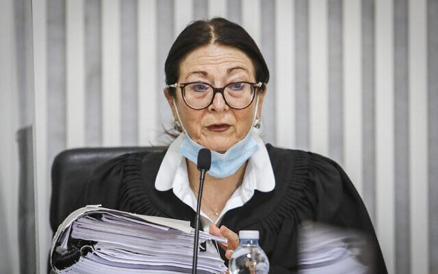 La présidente de la Cour suprême israélienne, Esther Hayut, photographiée au tribunal de Jérusalem, le 4 mai 2020. (Oren Ben Hakoon/POOL)
