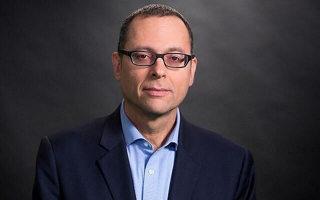 Le député Zvi Hauser. (Crédit : Yanai Yechiel)