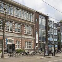 Le Musée national de la Shoah des Pays-Bas à Amsterdam. (Crédit : Luuk Kramer/Avec l'aimable autorisation du Quartier culturel juif d'Amsterdam via JTA)