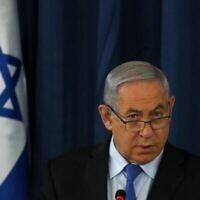 Le Premier ministre Benjamin Netanyahu préside la réunion hebdomadaire du cabinet à Jérusalem, le 28 juin 2020. (RONEN ZVULUN / POOL / AFP)