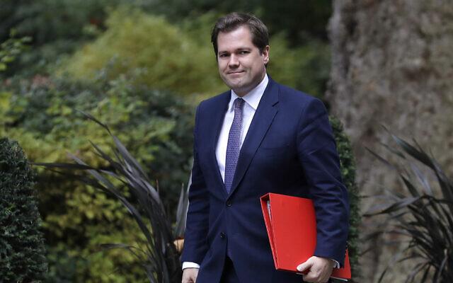 Le secrétaire d'Etat britannique au Logement Robert Jenrick lors d'une réunion du cabinet au 10 Downing Street, à Londres, le 16 octobre 2019 (Crédit : Kirsty Wigglesworth/AP)