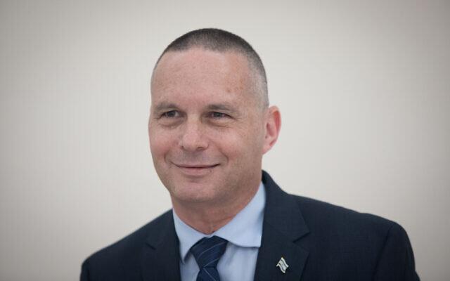 Yizhar Shai pose à la Knesset, le 29 avril 2019. (Noam Revkin Fenton/Flash90)