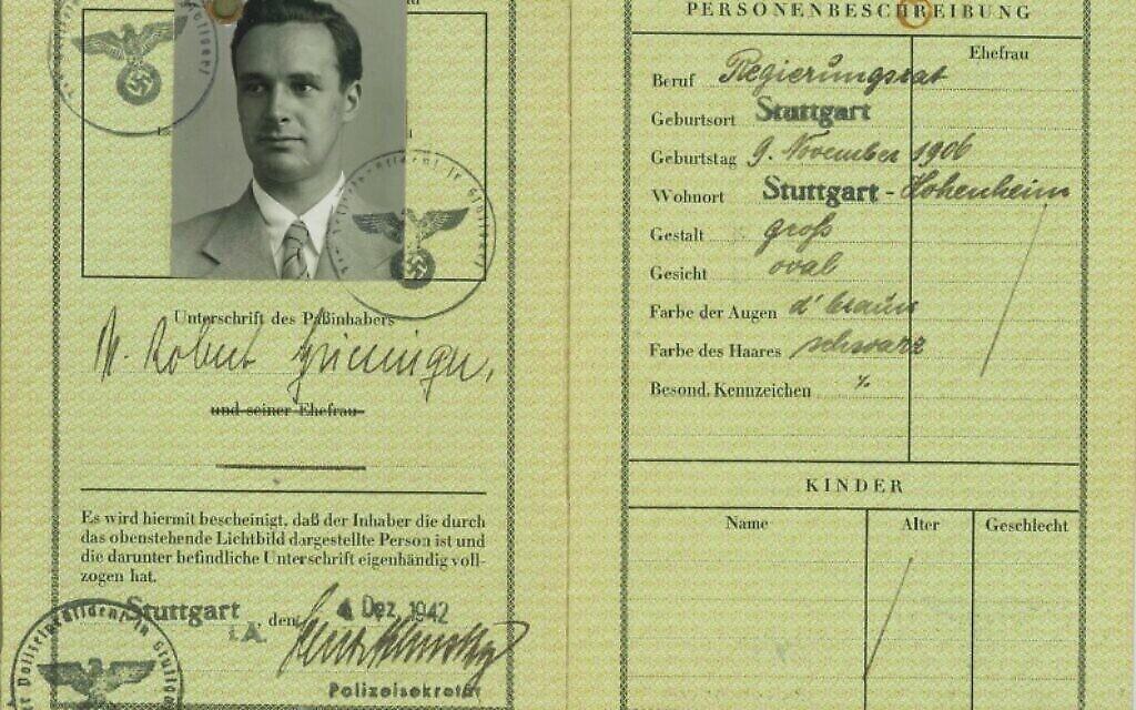 Un des passeports de Robert Griesinger. (Avec l'aimable autorisation de Jutta Mangold)