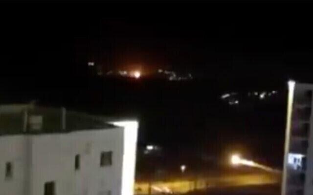 Une explosion près de Téhéran dans une vidéo publiée en ligne par l'agence de presse nationale Fars, le 26 juin 2020. (Capture écran/Twitter)