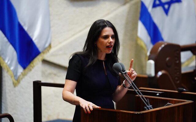 La députée de Yamina, Ayelet Shaked, à la Knesset lors de la présentation du 35e gouvernement d'Israël, le 17 mai 2020. (Knesset/Adina Veldman)