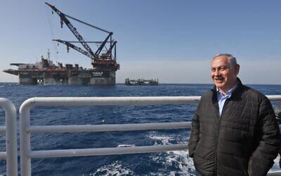 Le Premier ministre Benjamin Netanyahu lors de l'inauguration de la plateforme de forage du champ de gaz naturel Leviathan en mer Méditerranée, le 31 janvier 2019. (Photo de Marc Israel SELLEM / POOL / AFP)