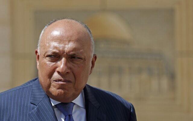Le ministre égyptien des Affaires étrangères, Sameh Choukry, lors d'une conférence de presse conjointe avec son homologue palestinien à Ramallah, Cisjordanie, le 20 juillet 2020. (MOHAMAD TOROKMAN / POOL / AFP)