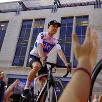 Le cycliste britannique Chris Froome lors de la présentation de la Team Sky à Jérusalem, le 3 mai 2018. (AP Photo / Ariel Schalit)