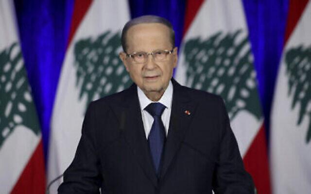 Le président libanais Michel Aoun lors d'un discours à la nation au palais présidentiel, à Baabda, à l'est de Beyrouth, au Liban, le 21 novembre 2019. (Crédit : Dalati Nohra via AP)