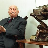 Le chasseur de nazis autrichien Simon Wiesenthal lors d'un événement à Vienne, le 19 mars 1999. (Ronald Zak/AP)