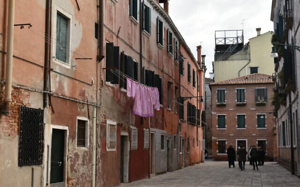 Une ruelle du ghetto juif de Venise (Crédit : Paolo Raccanelli)