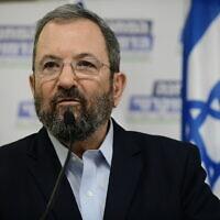 Ehud Barak lors d'une conférence de presse à Tel Aviv, le 25 juillet 2019. (Tomer Neuberg/Flash90)