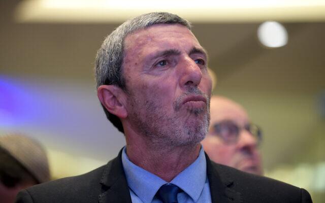 Le ministre de l'Education Rafi Peretz participe à une réunion du parti HaBayit HaYehudi à Tel Aviv, le 13 janvier 2020. (Gili Yaari/Flash90)