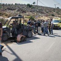 Des forces de sécurité israéliennes sur les lieux des affrontements entre résidents juifs et arabes palestiniens près de l'avant-poste d'El Matan en Cisjordanie, le 5 juillet 2020. (Sraya Diamant/Flash90)