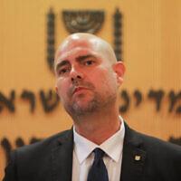 Le ministre de la Sécurité publique Amir Ohana lors d'une conférence de presse à Jérusalem, le 15 juillet 2020. (FLASH90)