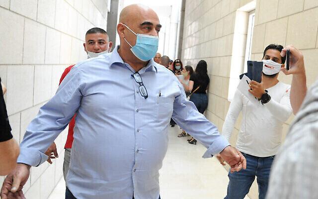 Salman Amar, l'ancien maire de Julis, au tribunal de Haïfa, le 28 juillet 2020. (Crédit : Meir Vaknin/Flash90)