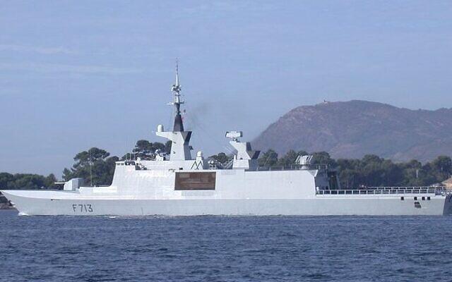 La frégate française Aconit, qui participe actuellement à la mission Irini, au sortir des passes du port de Toulon en septembre 2003. (Crédit : CC BY-SA 3.0)
