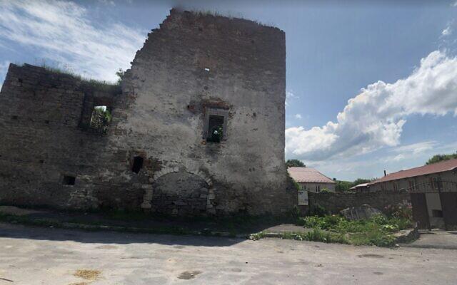 La porte de la ville de Sataniv, en Ukraine (Crédit : Google street)