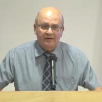 Le directeur-général du ministère de la Santé Chezy Levy pendant une conférence de presse au ministère de la Santé de Jérusalem, le 13 juillet 2020 (Capture d'écran/YouTube)