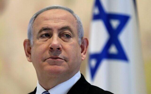 Le Premier ministre Benjamin Netanyahu assiste à une réunion du cabinet au Chagall State Hall à la Knesset le 24 mai 2020. (Crédit : Abir Sultan / Pool / AFP)