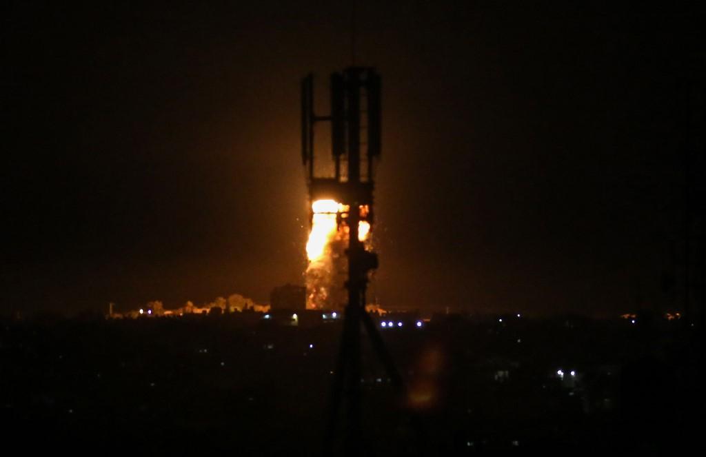 Nouvelles frappes israéliennes sur Gaza en représailles à des ballons incendiaires