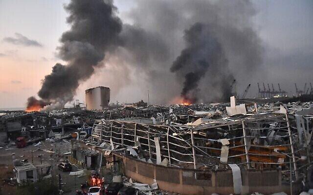 Une vue générale de la scène de l'explosion de Beyrouth, le 4 août 2020. (Crédit : STR / AFP)