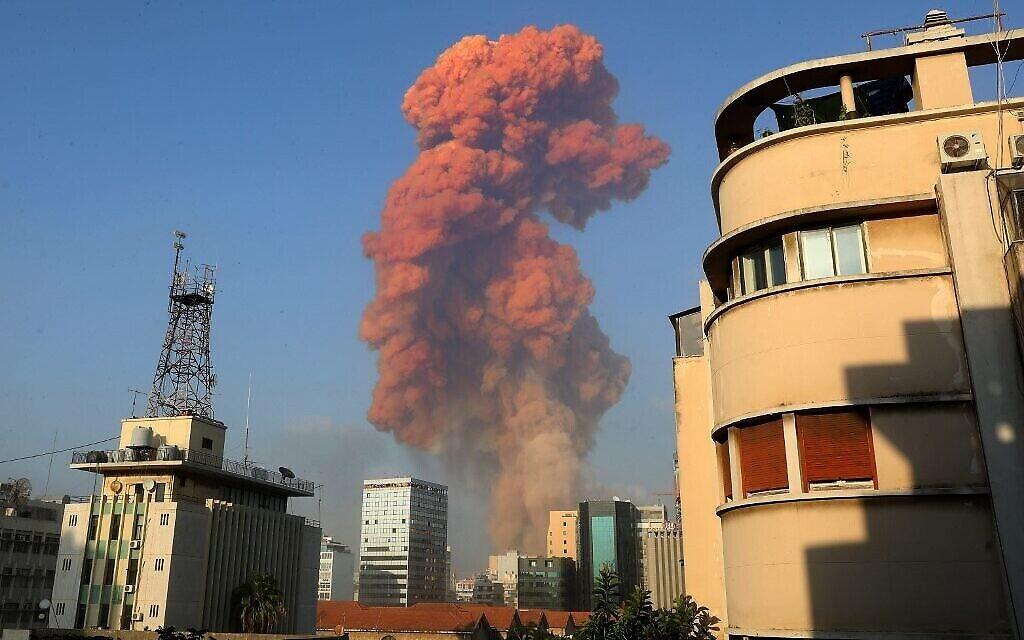 L'explosion à Beyrouth, le 4 août 2020. (Crédit : Anwar AMRO / AFP)