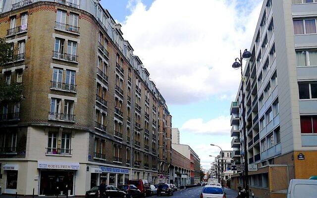 Rue Archereau, vue de la rue de Crimée, dans le 19e arrondissement de Paris. (Crédit : CC BY-SA 3.0)